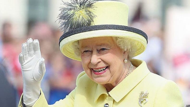 Por qué la reina Isabel II rechazó el premio a «Anciana del año»
