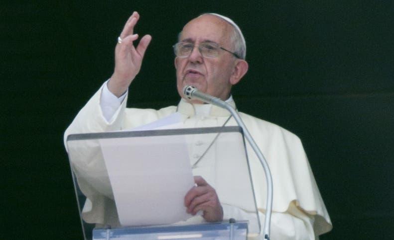"""Papa defiende """"reacción no violenta"""" frente a """"multiplicación de conflictos»"""