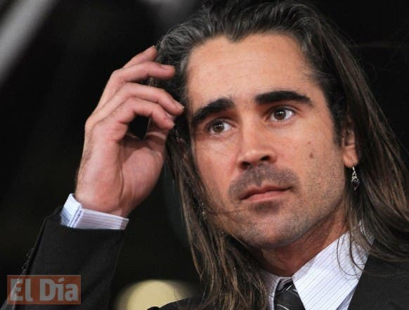 """Irish actor Colin Farrell poses on the red carpet as he arrives to present the movie """"Pride and Glory"""" on October 28, 2008, at Rome's Film Festival 2008. The festival, which will run until October 31, was launched in 2006 by then Rome mayor Walter Veltroni, a film buff with many friends in Hollywood.     AFP PHOTO/ FILIPPO MONTEFORTE"""
