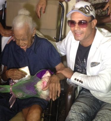 Anciana de 103 años es visitada por Raulín