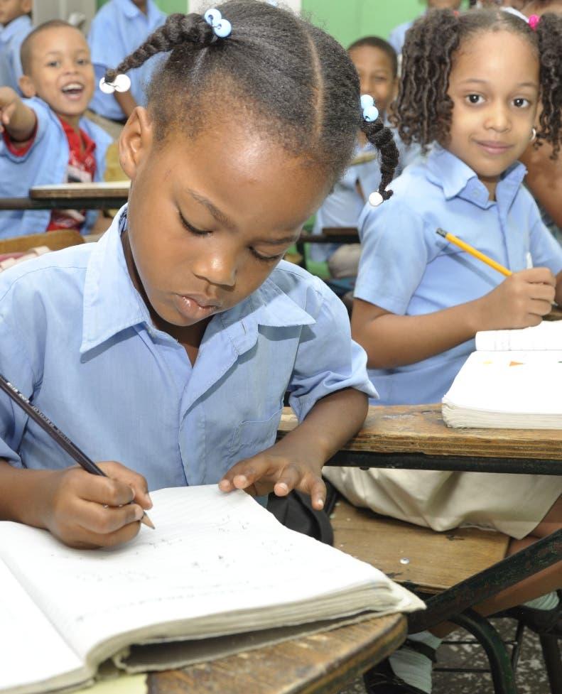 Presidenta ADP: «Sin vacuna no se puede regresar a clases»