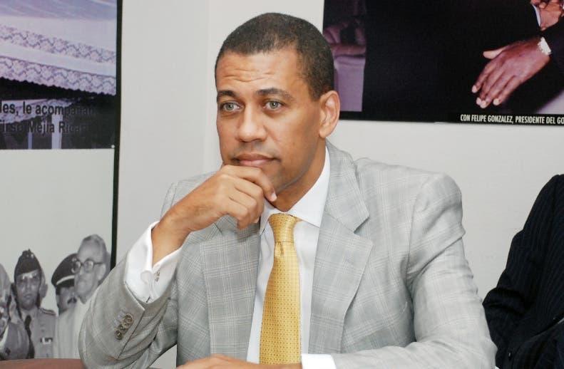 Guido Gómez Mazara, dirigente del PRD.  archivo