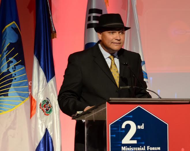 Presidente del Indotel revela que padece cáncer linfático