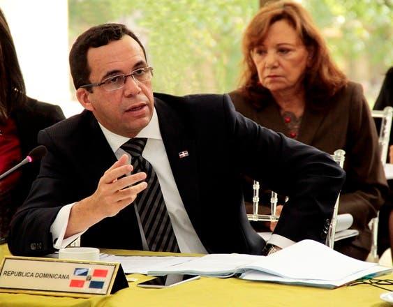 NAVARRO EN REUNION DE MINISTROS DE RELACIONES EXTERIORES