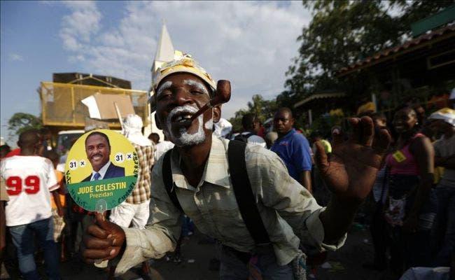 Ambiente de carnaval en fin de campaña electoral en Haití