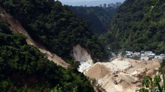 El riesgo de nuevos deslizamientos lleva a evacuar 40 familias en Guatemala