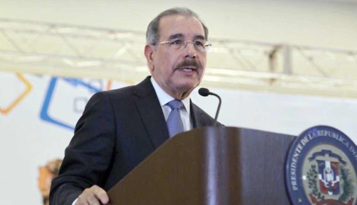 Danilo Medina ordena al jefe de la Policía liberar agentes que cumplían sanciones disciplinarias
