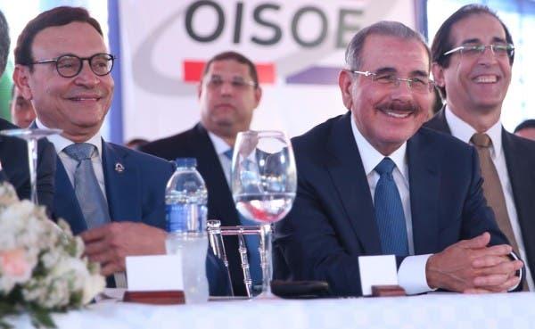 Miguel Pimentel Kareh, Danilo Medina y Gustavo Montalvo en foto de archivo.