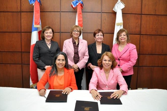 Ministra de Trabajo destaca rol de mujeres en el crecimiento de economía dominicana