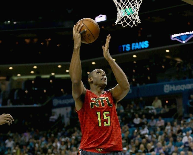 NBA: Hawks siguen volando alto, Spurs pican espuelas