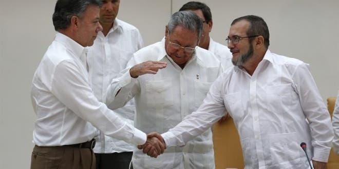 Acuerdo de paz entre Gobierno y FARC gana terreno según encuesta