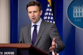 """Casa Blanca tacha de """"absurda"""" la negativa de Paul Ryan a reforma migratoria"""