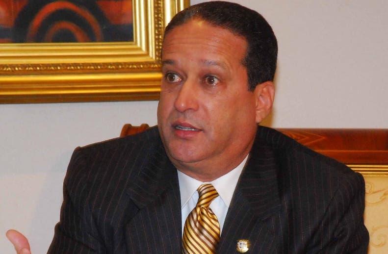 presidente del Senado Reinaldo Pared Pérez. Durante una visita reunió en el despacho del presidente de la Cámara de Senadores de la Republica Dominicana. 4 de noviembre del 2007. Foto pedro Sosa