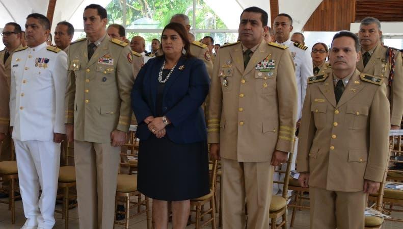 Ministro de Defensa dice apartará militares corruptos de las Fuerzas Armadas