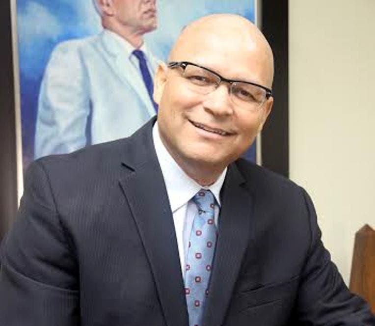 Presidente de Indotel afirma superó cáncer linfático