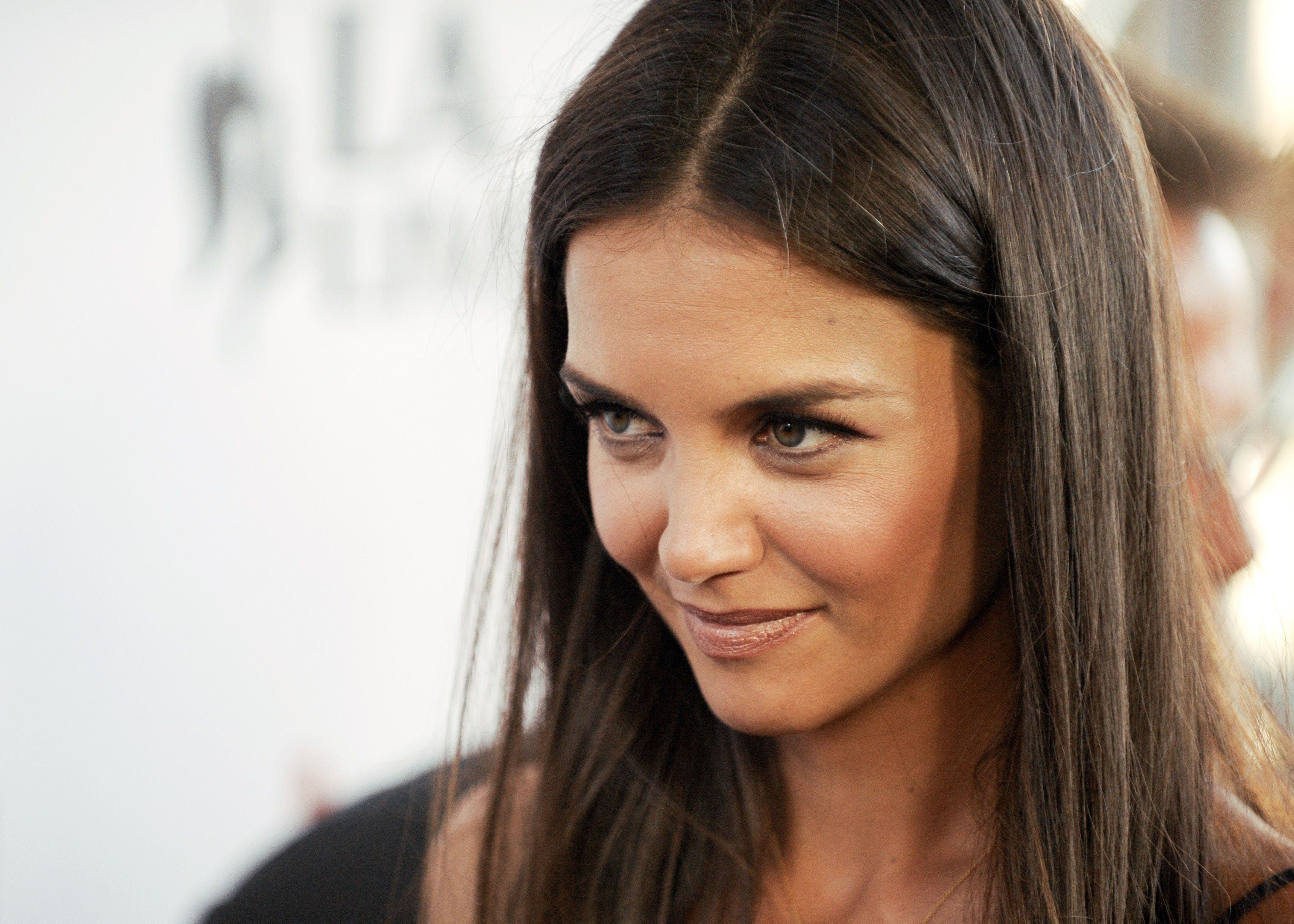 katie holmes face 660