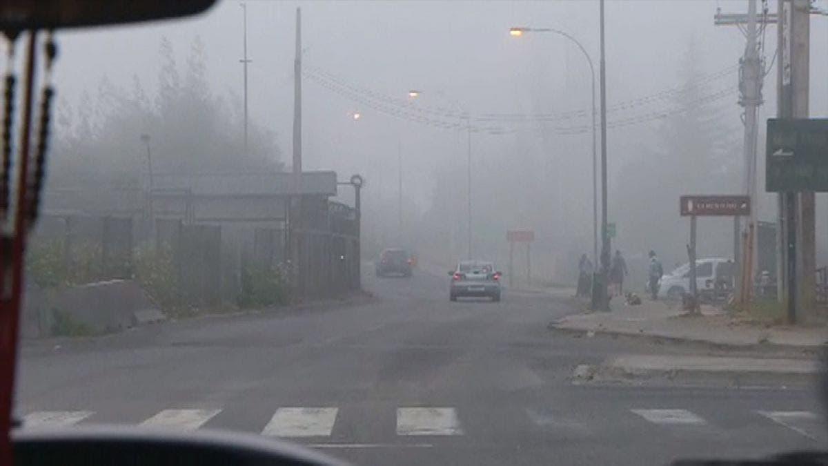Incendio en vertedero cubre de humo a gran parte de Santiago de Chile