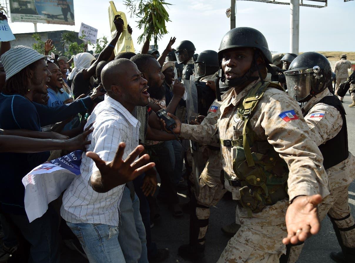 Martelly  se despide de Haití con canción
