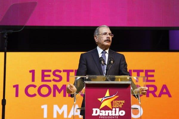 Presidente Danilo Medina inicia campaña, anuncia una «revolución digital» en RD