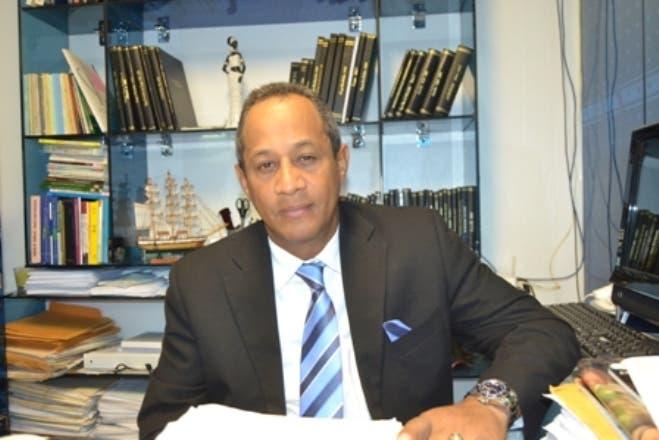 César Amadeo Peralta-abogado- Banco Peravia