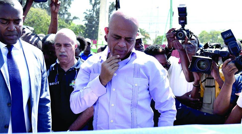 Martelly se despide en Haití sin  sucesor