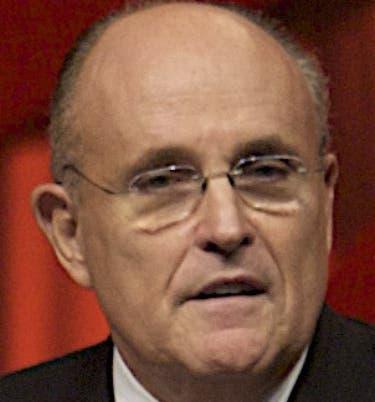 Giuliani llegó al país para asesorar al PRM