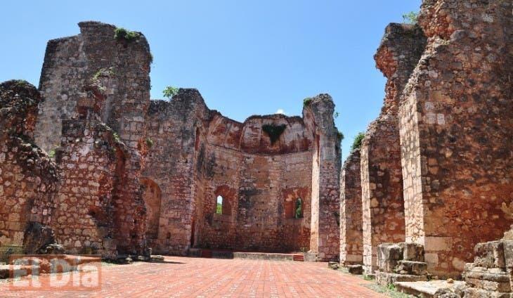 Fue enterrado en el convento de San Francisco, hoy en ruinas. Hoy / Rafael Segura Imagen digital  / 12/05/2012