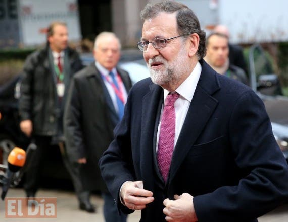 Spanish Prime Minister Mariano Rajoy arrives for an EU summit at the EU Council building in Brussels on Thursday, Feb. 18, 2016. European Union leaders are holding a summit in Brussels on Thursday and Friday to hammer out a deal designed to keep Britain in the 28-nation bloc. (AP Photo/Francois Walschaerts)