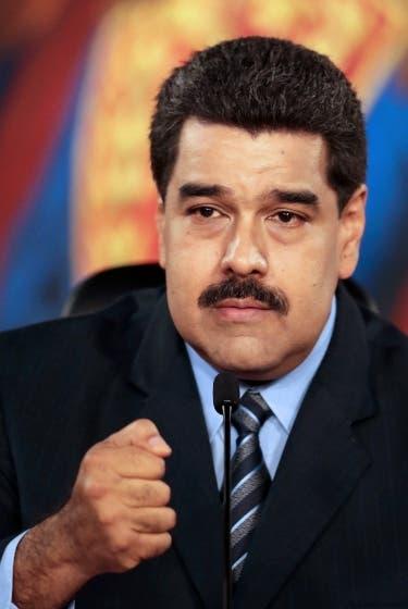 Oposición venezolana anuncia referendo y enmienda para sacar a Maduro