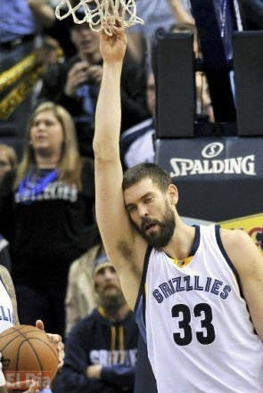 Memphis Grizzlies center Marc Gasol (33) reacts after a play in the second half of an NBA basketball game against the Dallas Mavericks Saturday, Feb. 6, 2016, in Memphis, Tenn. The Grizzlies lost in overtime 114-110. (AP Photo/Brandon Dill)