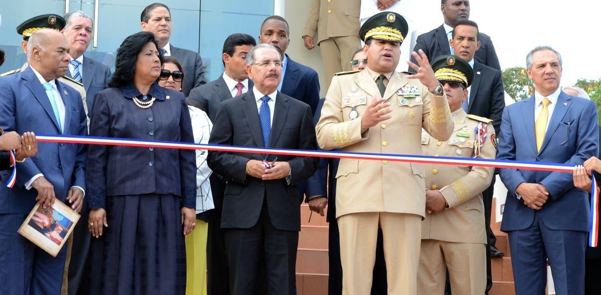 Con la asistencia del presidente Danilo Medina,el  Ministerio de Defensa realizó un acto en conmemoración al bicentenario del natalicio de Matías Ramón Mella, en la sede de la institución/foto Jose de Leon