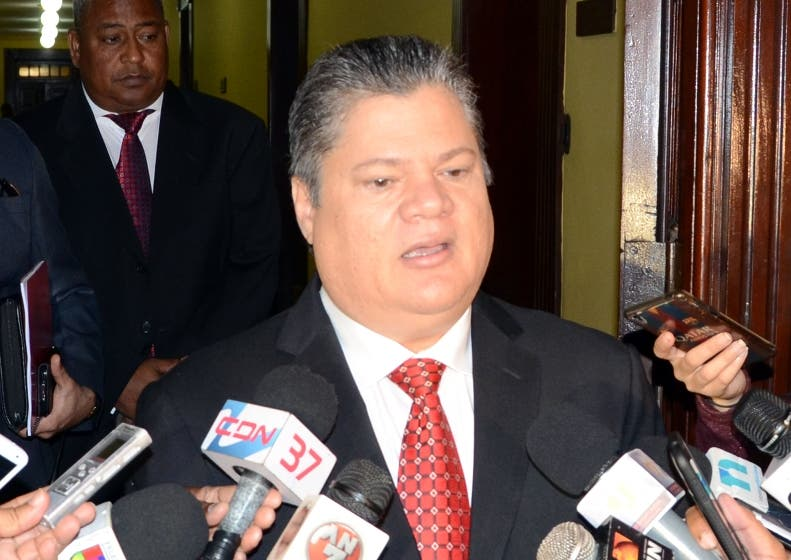 El mayor general Julio Cesar Suffront Velázquez,director de la DNCD,visito al presidente Danilo Medina,en su despacho del palacio nacional/foto José de León