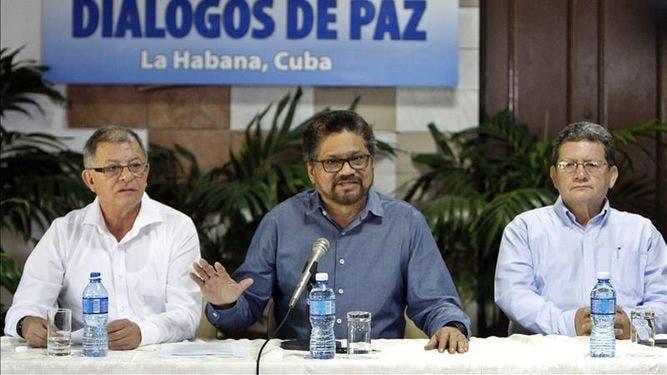 FARC insisten en rechazar plebiscito para la paz en carta abierta al Gobierno