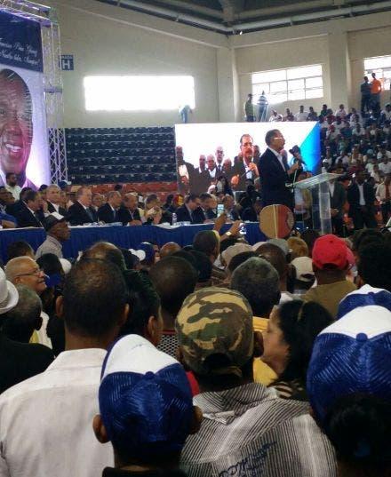 Danilo Medina es proclamado por el BIS como su candidato presidencial