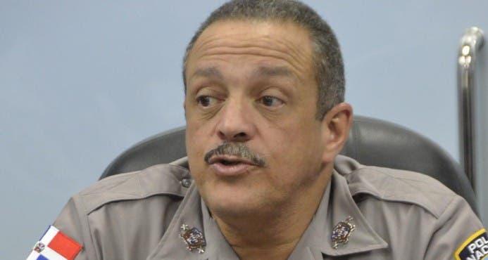 Jefe de la PN ordena investigar agente que hirió de perdigones a fotorreportero de El Caribe