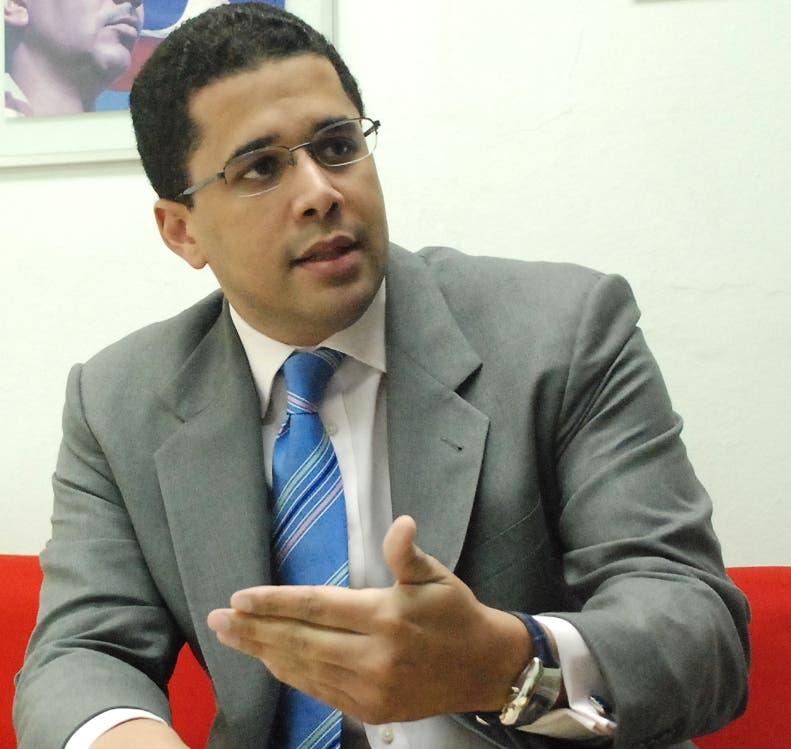 El País.- Entrevista a el candidato por el Partido Revolucionario Dominicana, David Collado, como diputado por el Distrito Nacional.  Distrito Nacional. República Dominicana. Hoy 05-04-2010.   Juan Faña.