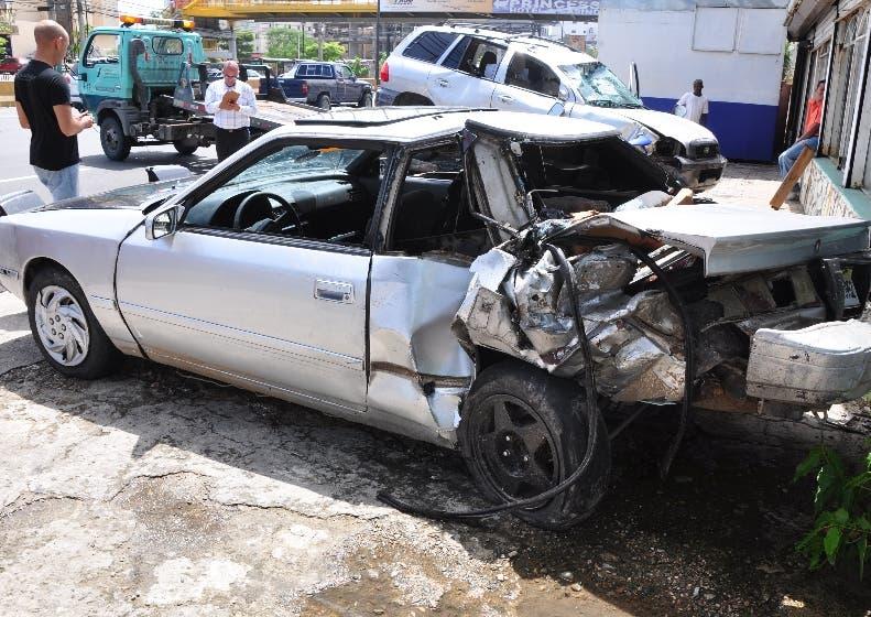 Reportaje de accidentes acorrido en el Túnel de la 27 de Febrero en Santo Domingo Distrito Nacional, en la foto Vista de los Vehículos. El País/ Hoy Andrés Monción 23/09/11