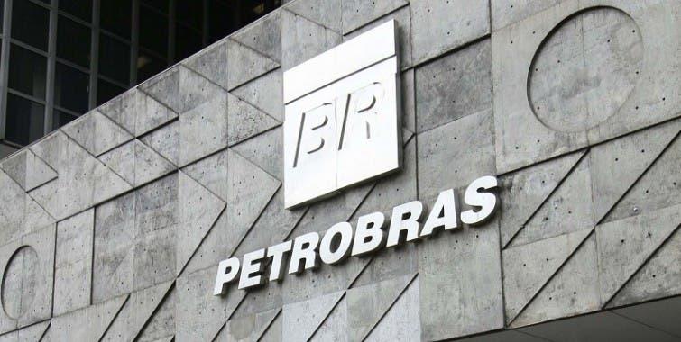 Una estimación del daño causado a Petrobras por el pago de sobornos alcanza los 6.400 millones de reales (unos 2.000 millones de dólares).