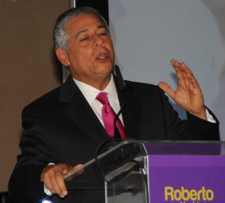 Roberto Salcedo exhorta a munícipes apoyar nuevas autoridades