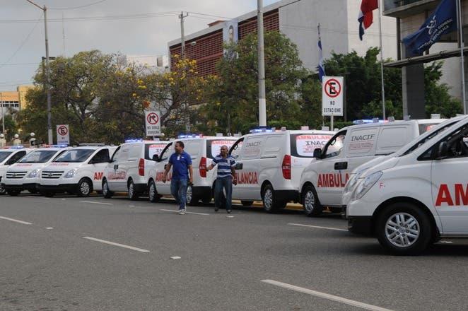 Procuraduría entrega 10 ambulancias al INACIF para fortalecer sistema 911