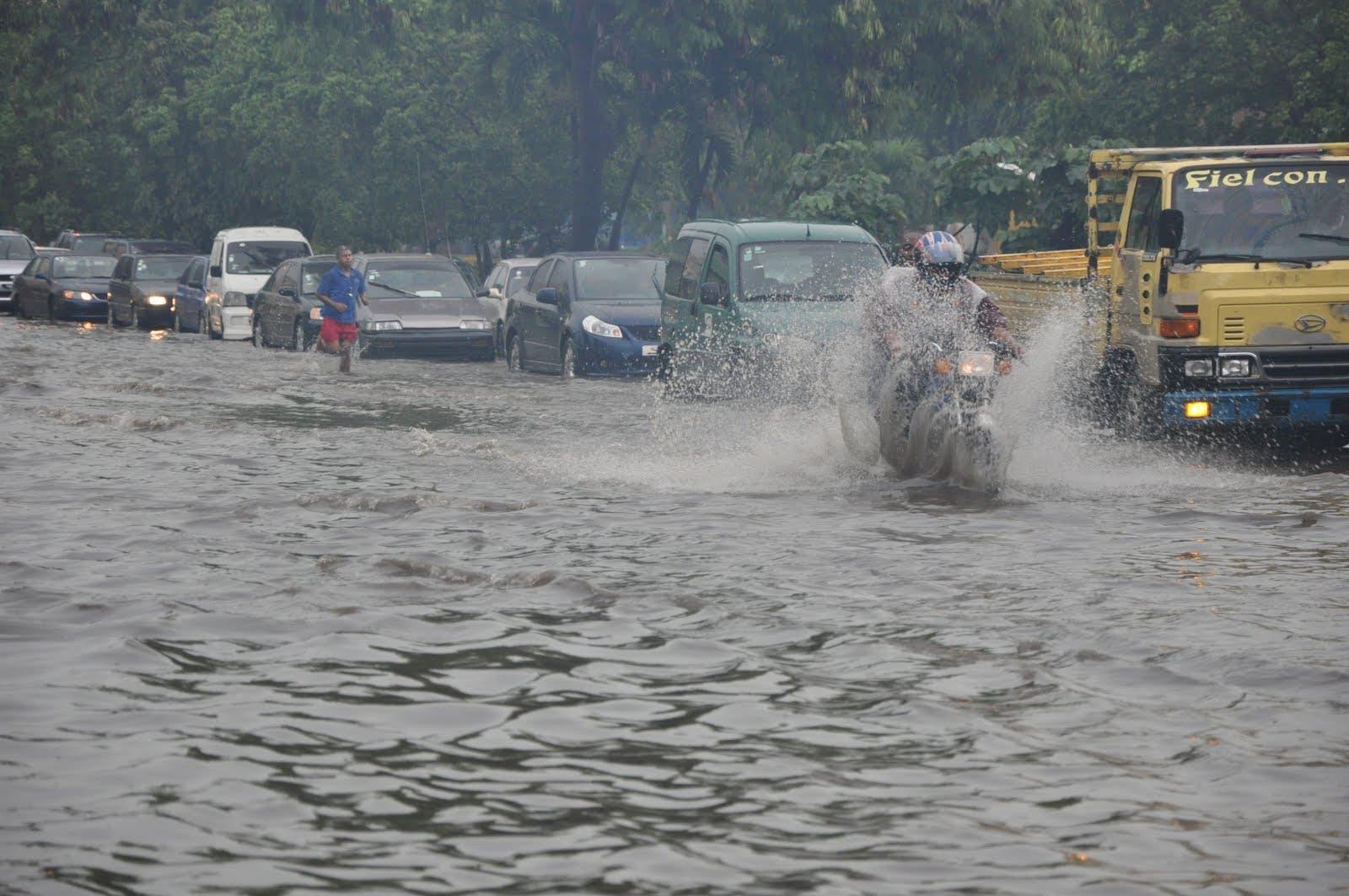 Vaguada continuará provocando aguaceros, según Meteorología