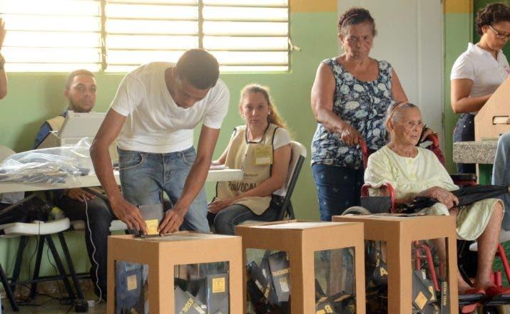 Recorrido por (san francisco de Macorís), Jarabacoa,  la vega, Bonao y villa Altagracia  Elecciones 2016 centro de votaciones, Hoy Félix de la Cruz 15 /05/2016