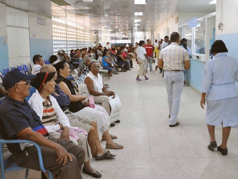 PROVINCIAS. PACIENTES EN EL HOSPITAL REGIONAL JOSE MARIA CABRAL Y BAEZ, DE SANTAGO.