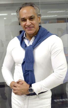 Invitado al coloquios del Día, José Antonio Molina, laureado compositor, director y arreglista dominicano /foto José de León