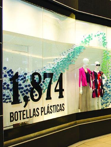 Tiendas Anthony's promueve reciclaje en vitrinas