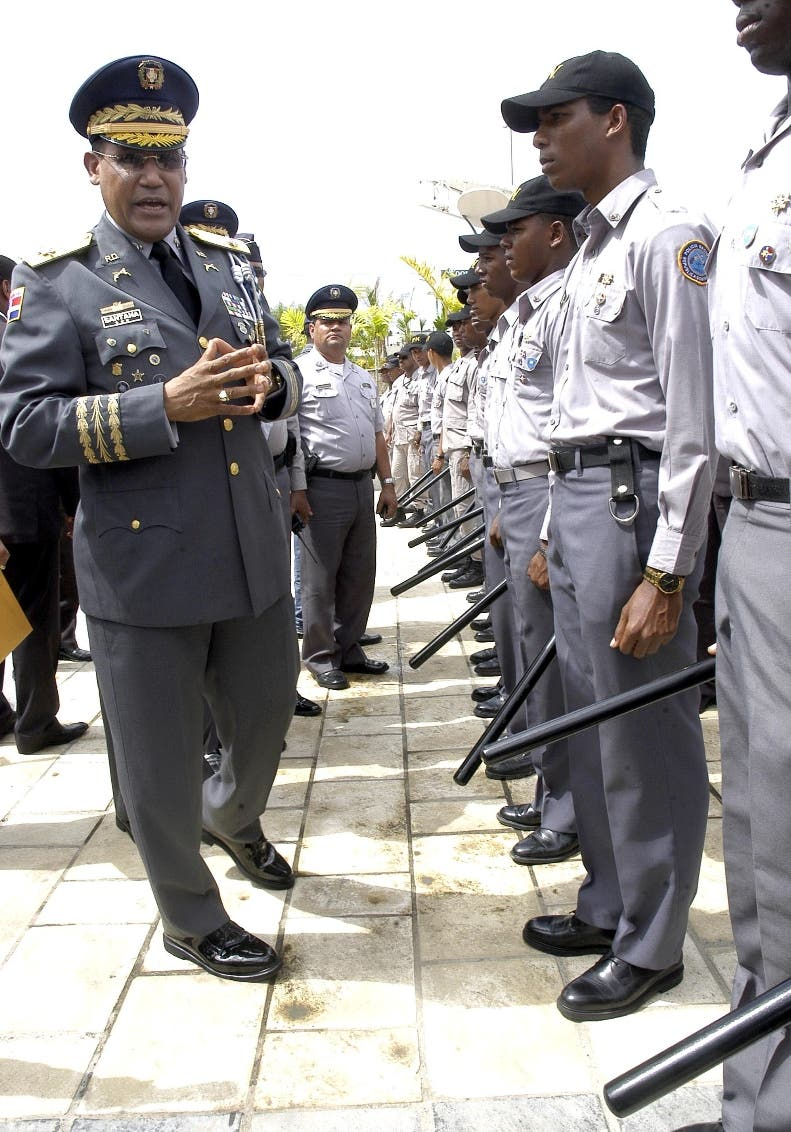 Policía cuenta con  más oficiales de los que requiere para operar