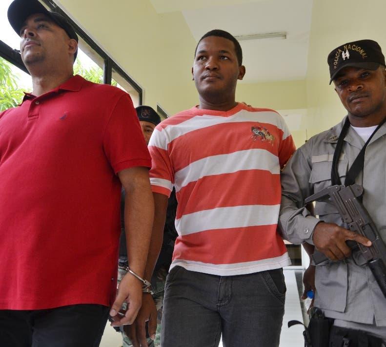 Tribunal condena a 6 y 5 años exfuncionarios de la OISOE