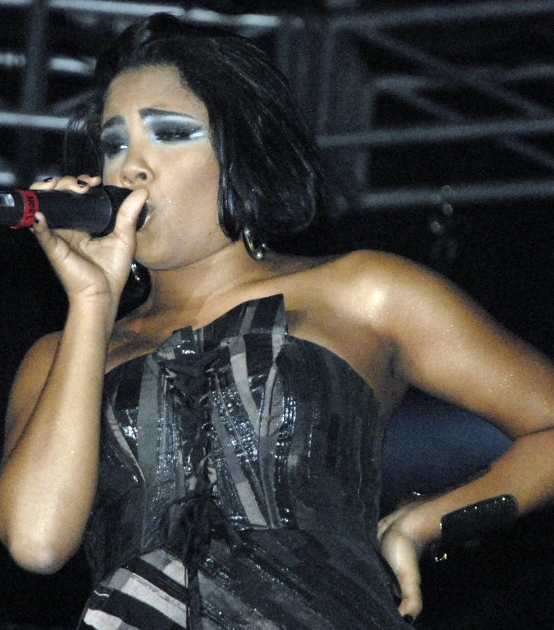 Juez autorizó a Martha Heredia cantar en certamen