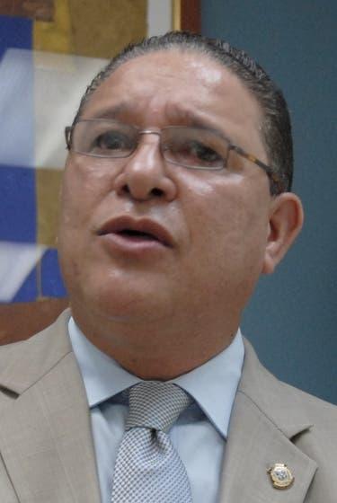Entrevista al diputado del PLD, Alejandro Montas, en la redacción del periódico Hoy. Hoy/ Napoleón Marte 29-01-2010