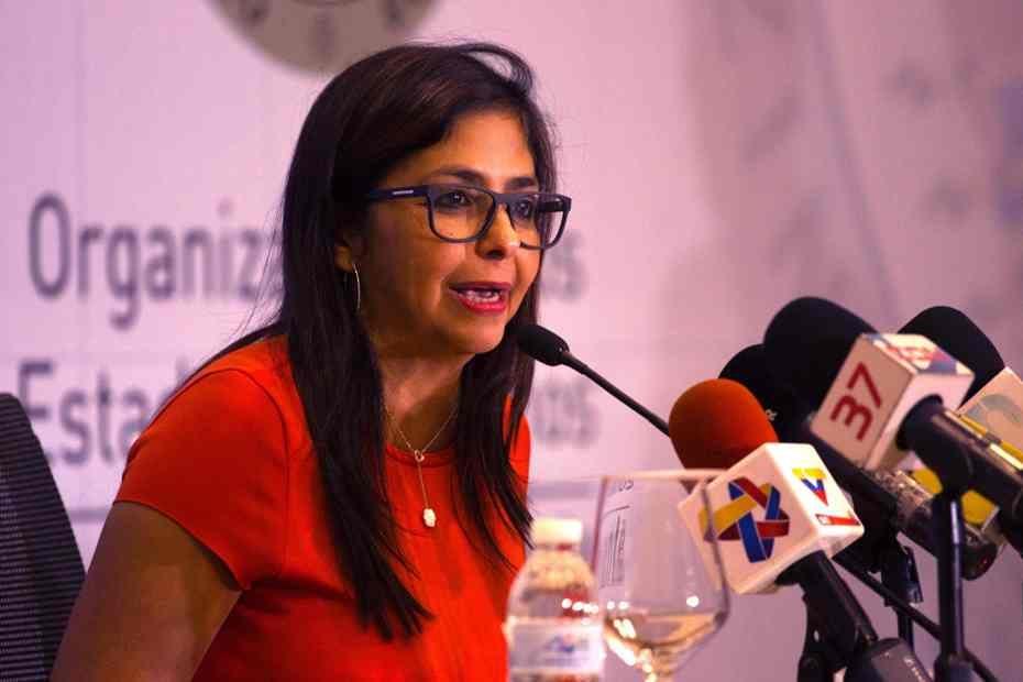 """Vicepresidenta venezolana califica como """"extorsión"""" las sanciones de la UE"""